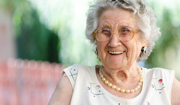 fisioterapia y anciana